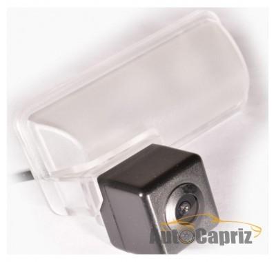 Subaru Камера заднего вида IL Trade 1372 SUBARU Forester IV (2013+)/XV (2011+)/Impreza 5D (2007-2011)